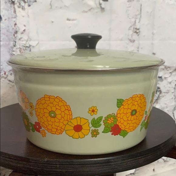 Vintage Other - Vintage floral pot Cera-met